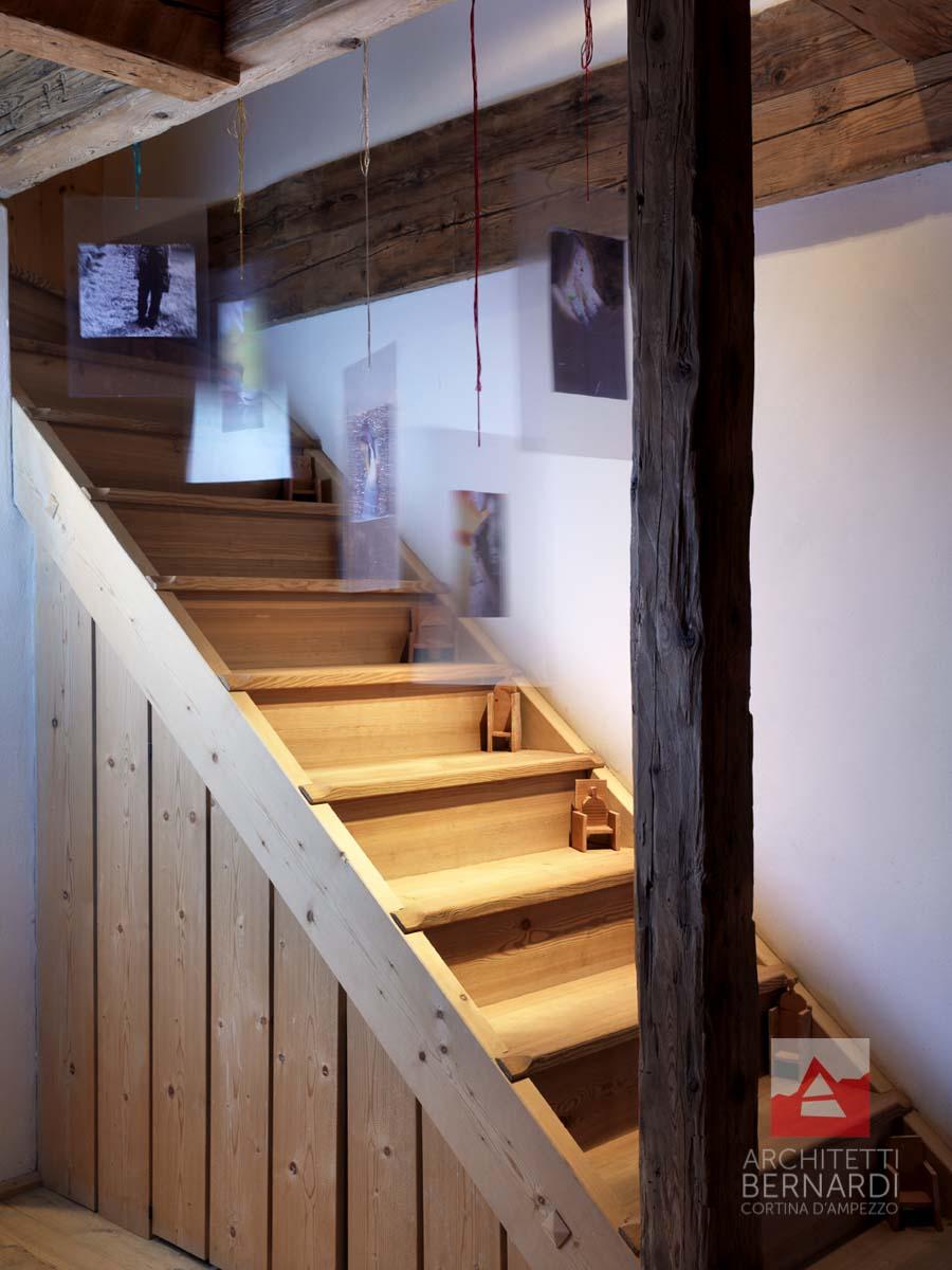 Progetto 13 architetti bernardi cortina for Progetti di piani casa fienile